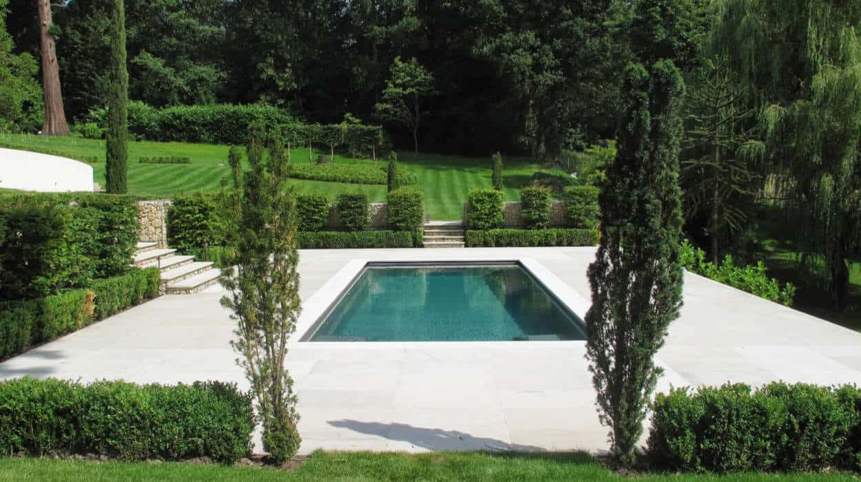 Swimming pool builders in Hampshire