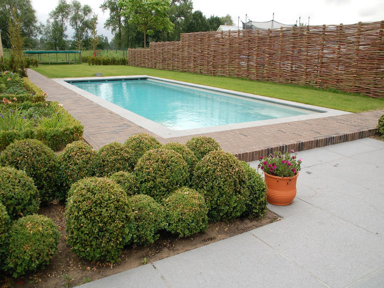 The Ultimate Guide to Swimming Pool Design in the UK ...