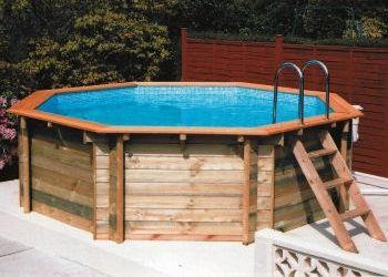 Solid above ground swimming pool